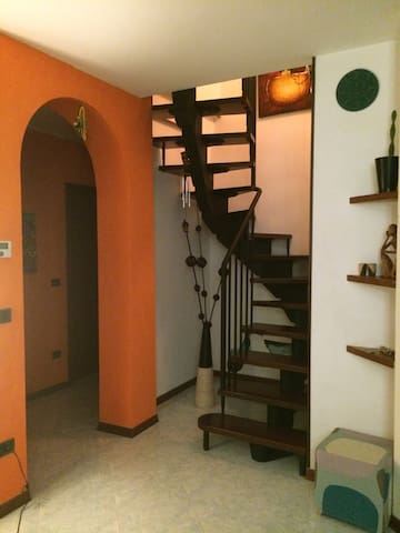 Double bedroom well located - Felegara - Appartement