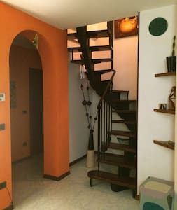 Double bedroom well located - Felegara