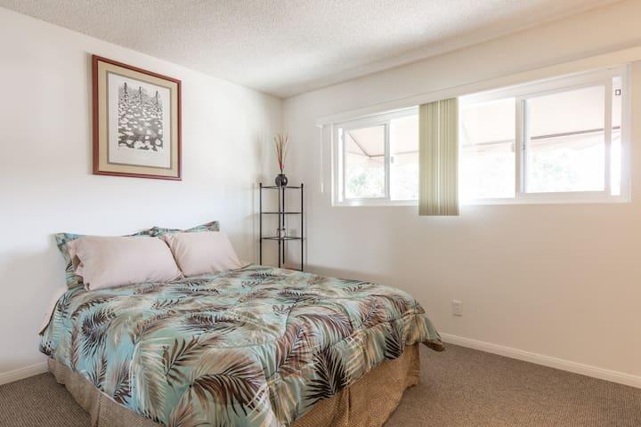 main/front bedroom