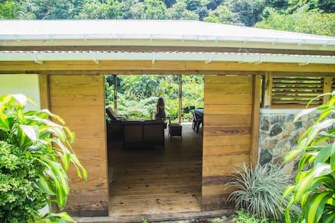 Banana Lama Eco Cottage