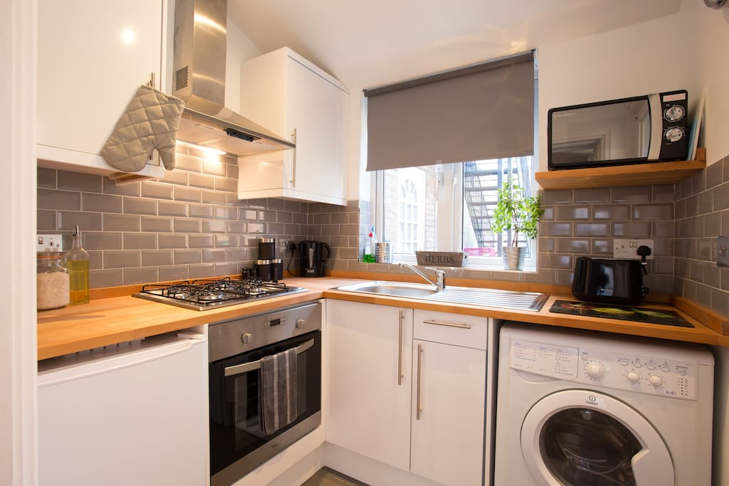 Make a meal in our fully equipped kitchen inc oven/hob, microwave, fridge/freezer and washing machine