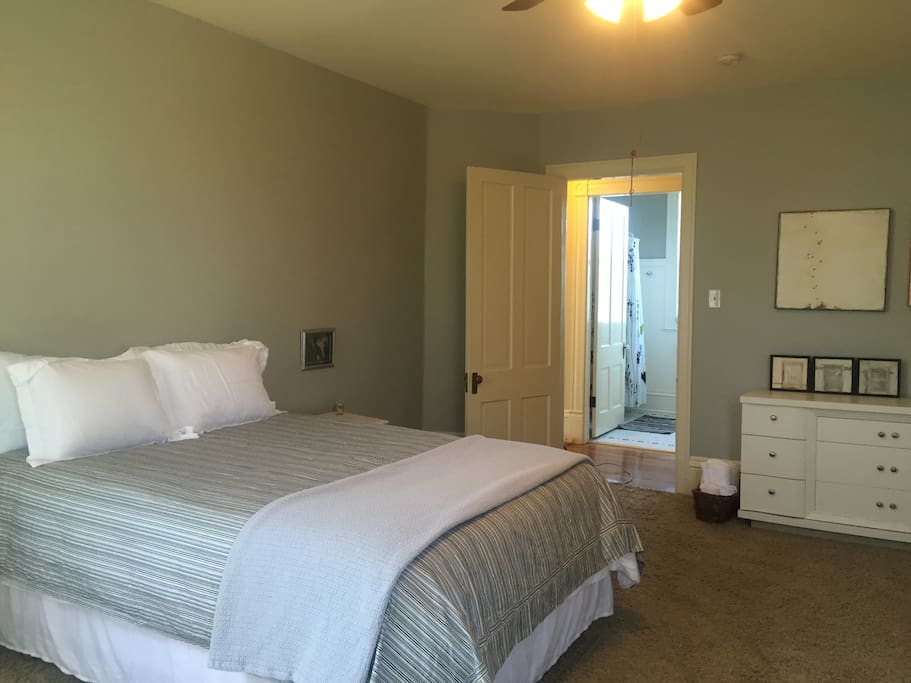 Spacious bedroom! View from fireplace back to entrance door~