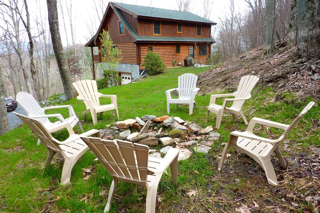 Large Log Cabin with Fire Pit and Kayaks!  Location, Location, Location.