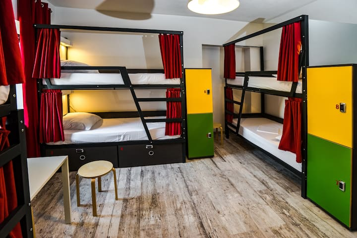 Bed in Shared room with bathroom - OldTown hostel