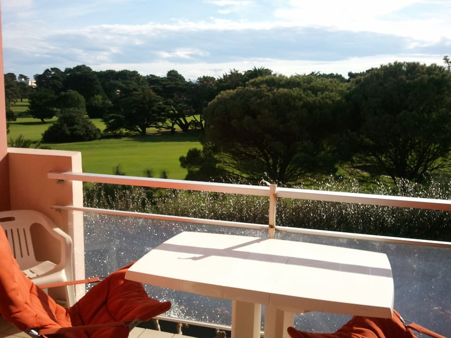 Terrace over the golf course... quiet and sunny