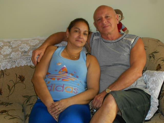 Teresa Y Fernando, a 100m del Capitolio Nacional