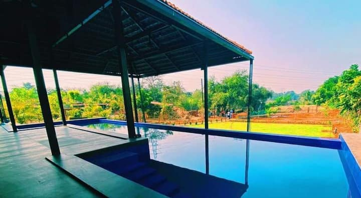 Nirvana Joy with infiniti pool for a family stay