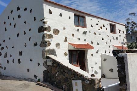 Casa en Isla de El Hierro (Casa A) - San Andrés