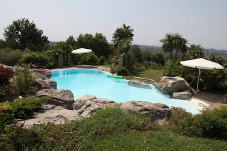 Romantic location Gardalake & Pool - Bussolengo - Vila