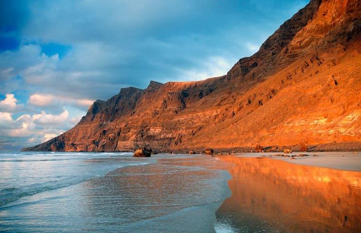Famara Sand