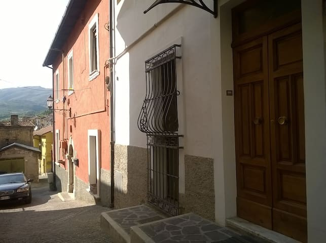 Best holidays in a cute city in the mountains - Celano - Wohnung