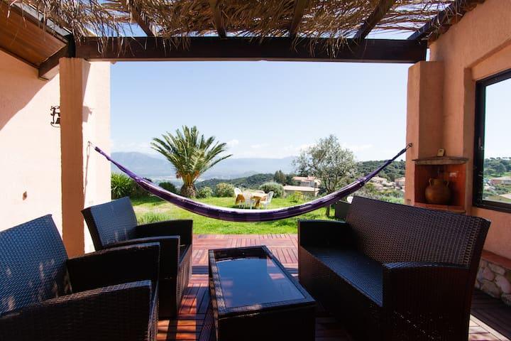 Charmante villa vue mer + Piscine  10 mn Ajaccio