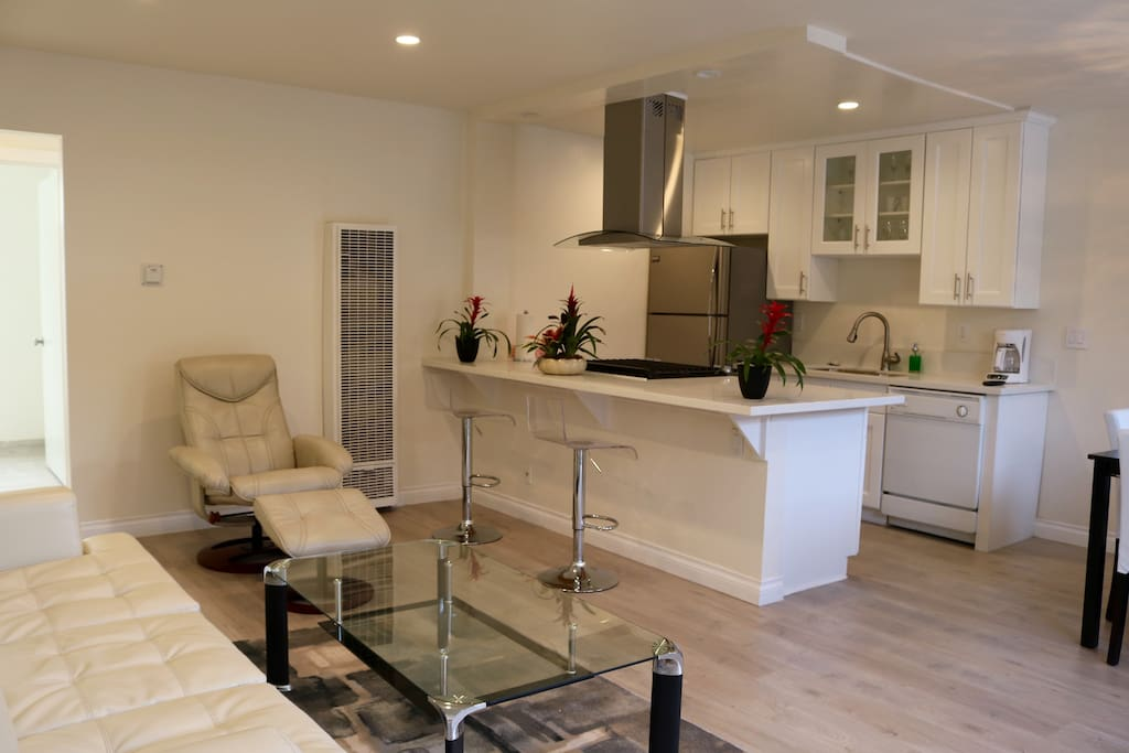 Ocean Breeze 3 Santa Monica New One Bedroom Apartments For Rent In Santa Monica California