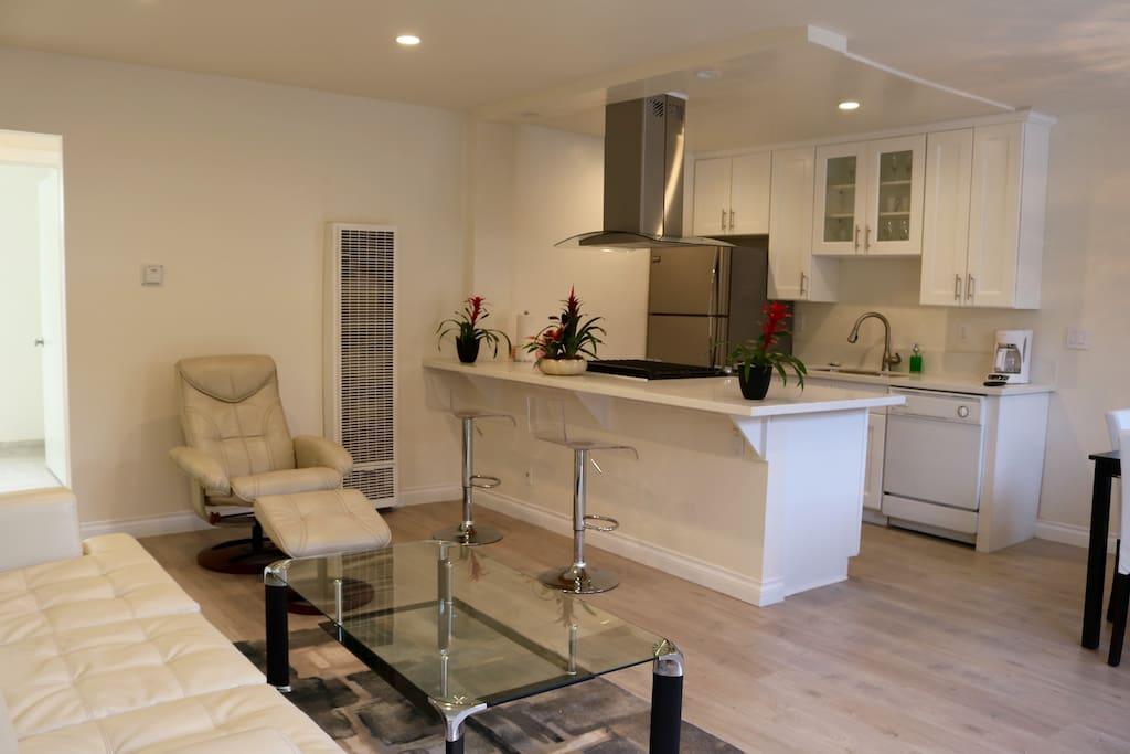 Ocean Breeze 3 Santa Monica New One Bedroom Apartments For Rent In Santa Monica California
