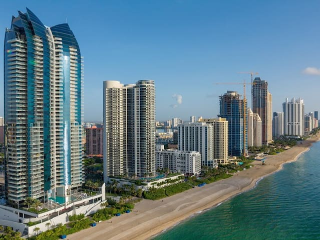 EXCELLENT 2B/2B, walk to the beach. - Sunny Isles Beach - Apartment