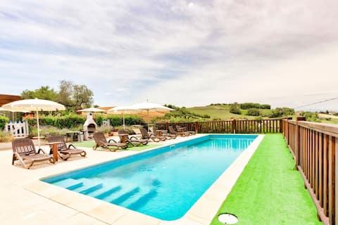 Prachtig appartement in Fermo met een zwembad