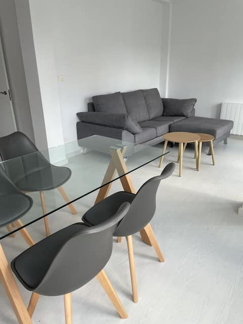 Appartement récemment rénové dans le centre-ville de Lalín