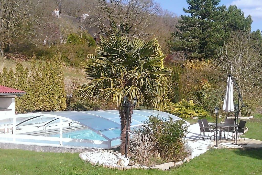 Chambre d 39 hote zen avec piscine chauffee pousadas para alugar em jouy sur eure alta normandia - Chambre d hote avec piscine ...