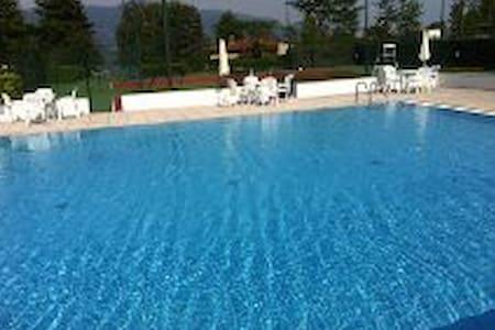 villetta con piscina e tennis - Le Terrazze - 아파트