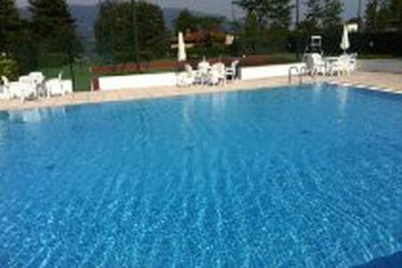 villetta con piscina e tennis - Le Terrazze