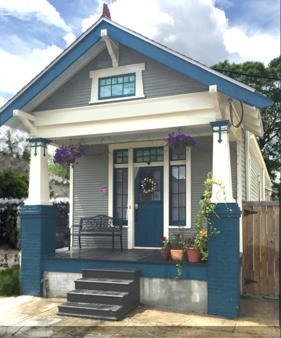 Bywater 2-Bedroom, Modern Charm