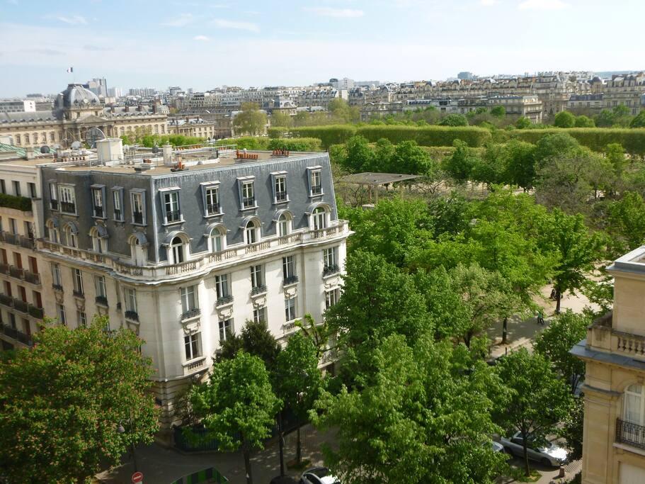 studio avec vue sur la tour eiffel apartments for rent in paris le de france france. Black Bedroom Furniture Sets. Home Design Ideas
