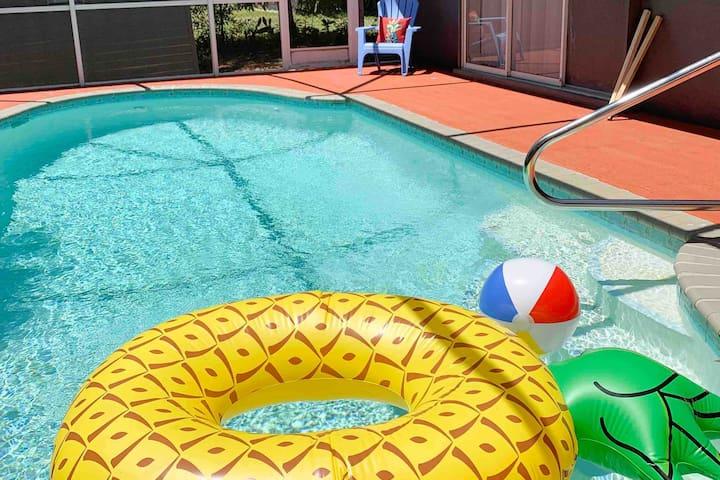 Comfort by the Ocean: Venice pool home near beach