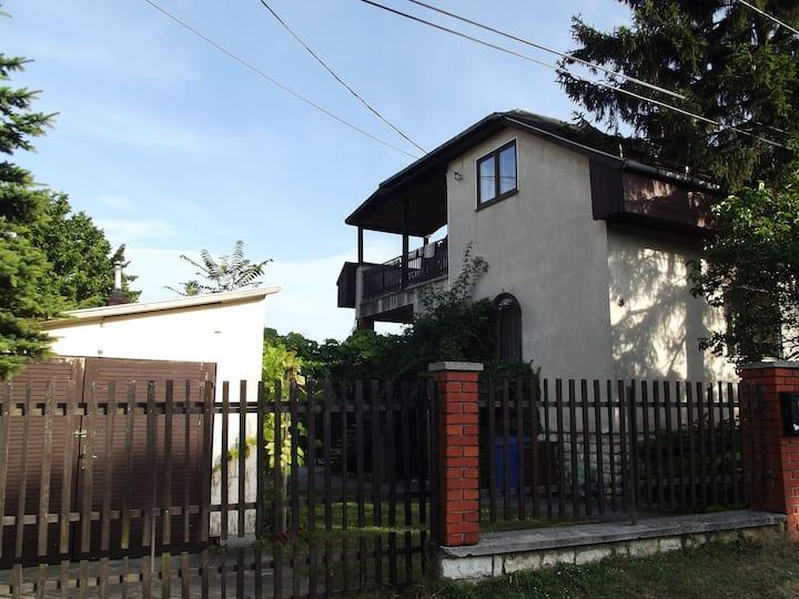 Reseda Guest House