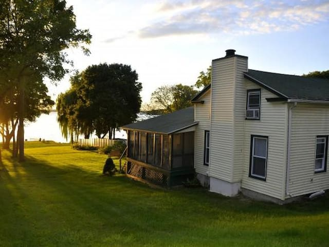 Lake Home on Cayuga - Union Springs  - House