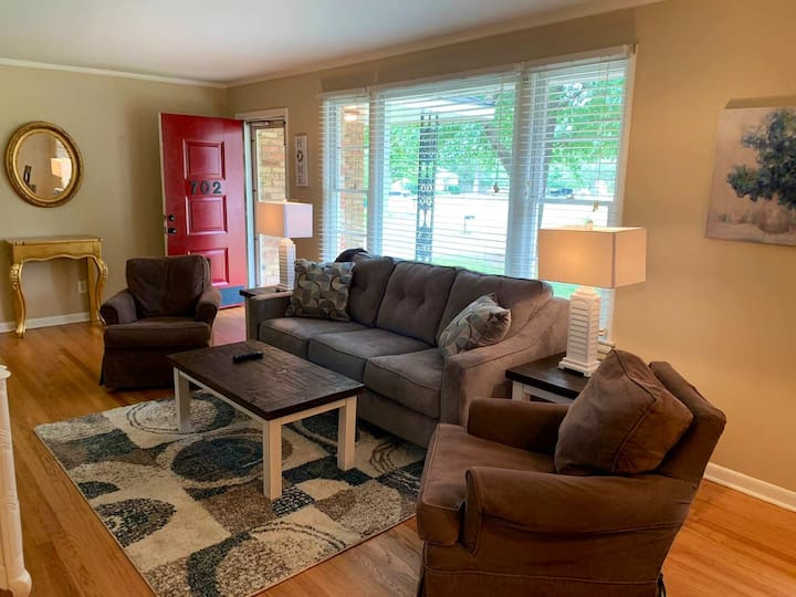 Month Long Rental  Executive Home 3bed/2bath