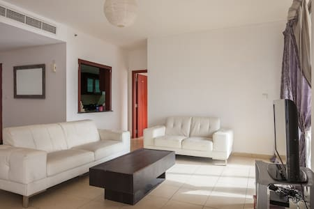 9. Lux Room with Balcony and view of sea and palm - Dubaj - Apartament
