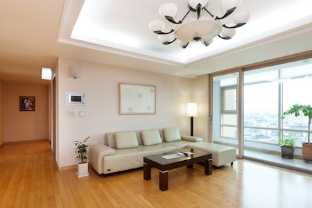 10 min walk from JAMSIL, single bed - Seoul - Wohnung