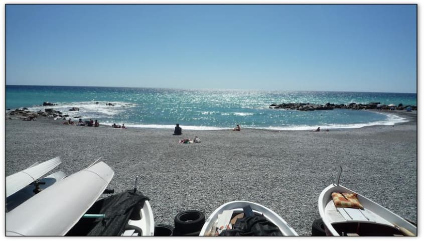 SEASHORE 5 PEOPLE, 2 BEDROOMS - Ventimiglia - Byt