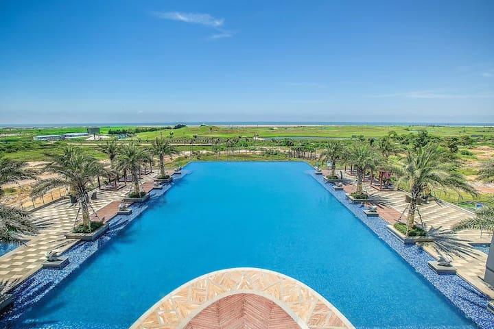 北海银滩(免费地下停车场)无边泳池和欢乐水世界(免费)豪华海景大三房