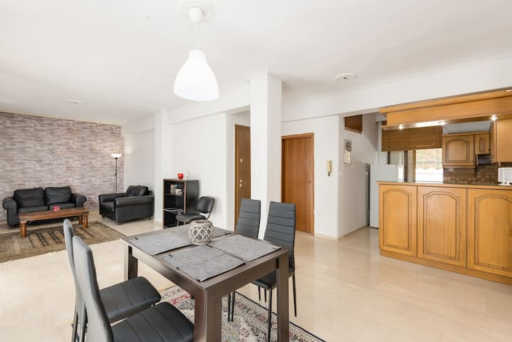 Elegant apartment in kalamaria