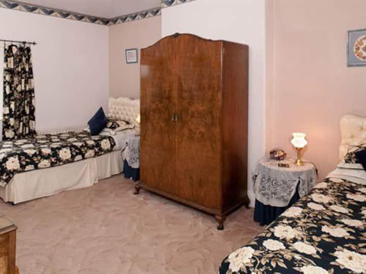 En-suite Twin Room First Floor