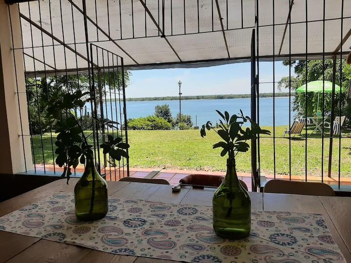 Casa con vista al Río Paraná en Ituzaingo Corrient