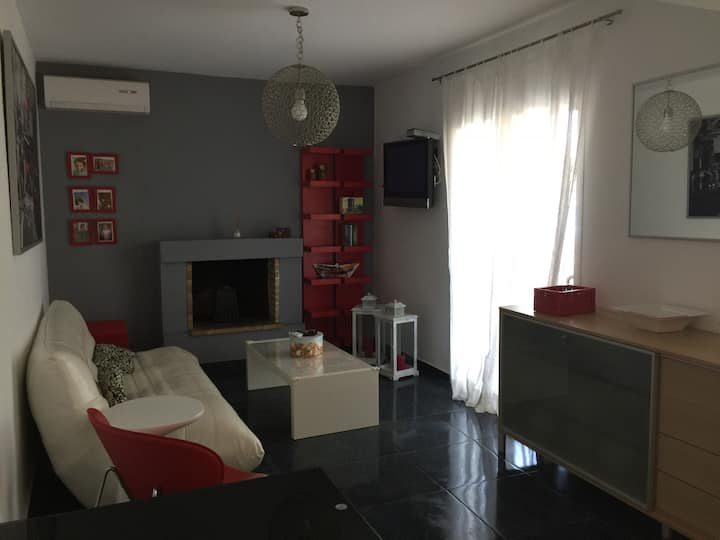 Athens/Porto Rafti Summer House (Near Airport)