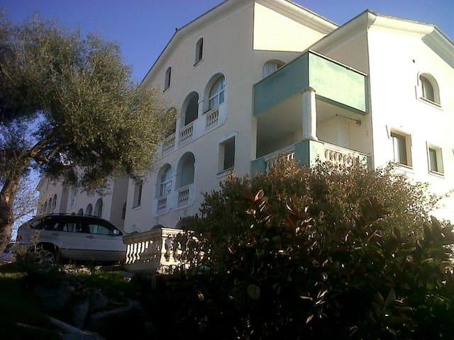 Olbia, Appartamento a 2 Km dal Porto/Aereoporto