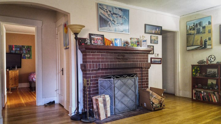 Cozy Seattle Room near UW and GreenLake!