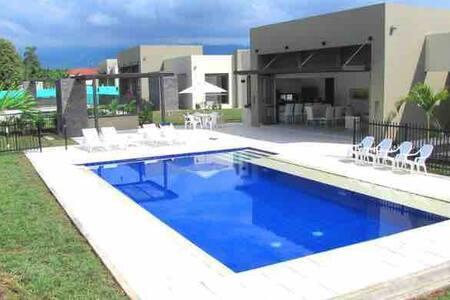 Casa vacacional  de lujo en Anapoima 15 pax. VIP