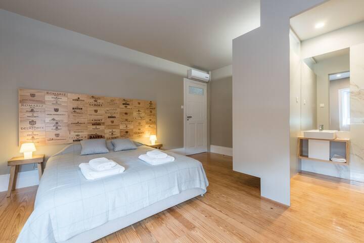 TPC - Porto Pleiad - Vineyard Suite