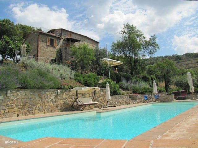 Umbria - 7-9 ps Casa Colonica with swimming pool