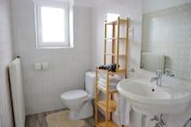 Bad 2 - mit WC