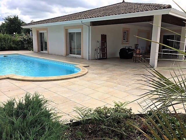 Chambres d'hôtes avec piscine,  Villa Cousteau