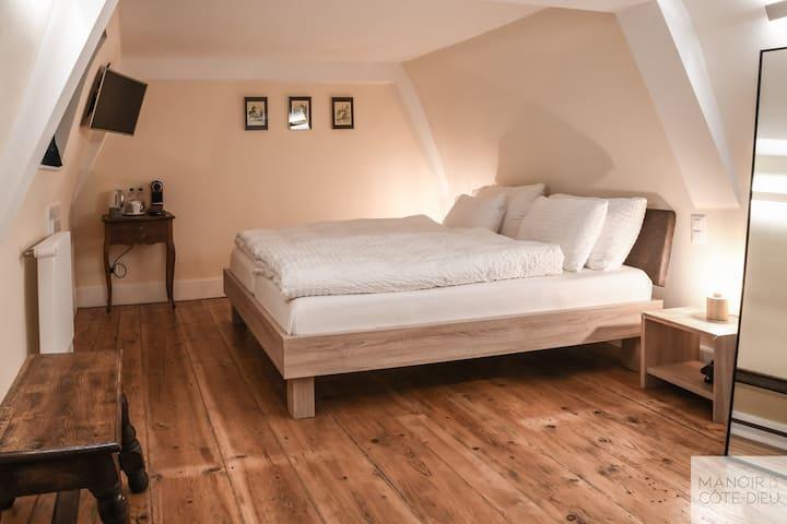 Chambres d'hôtes - Manoir de la Côte-Dieu, (Porrentruy), Double room