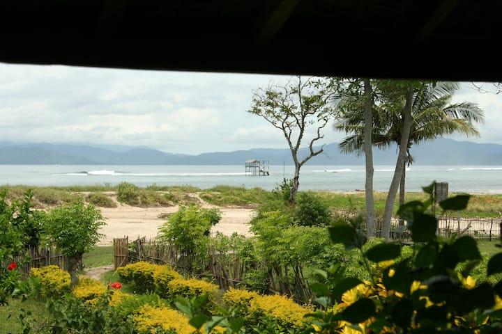 ON THE BEACH, Lakey Beach Inn - room 9 (A/C)