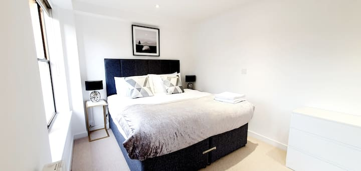 Brand New, 2 bed, Super Clean Apartment