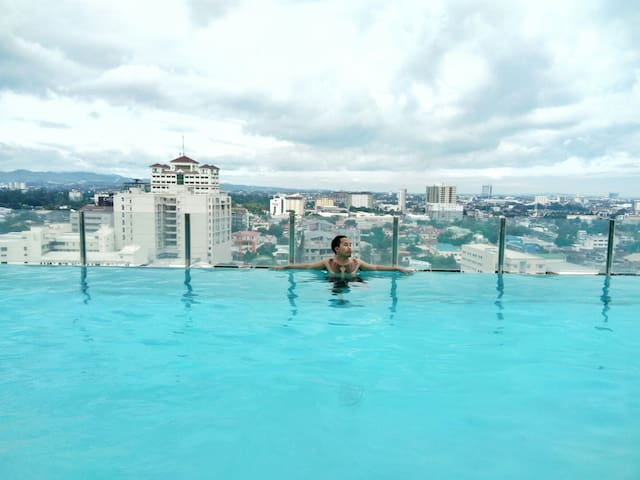 Affordable Condominium accessible to Ayala, SM, IT - Cebu City - Ortak mülk