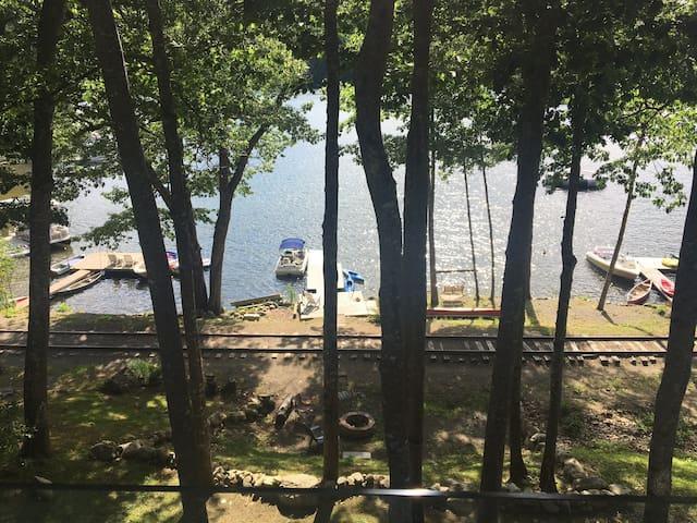 Phillips Lake Guest Suite (Lucerne-Dedham, Maine)